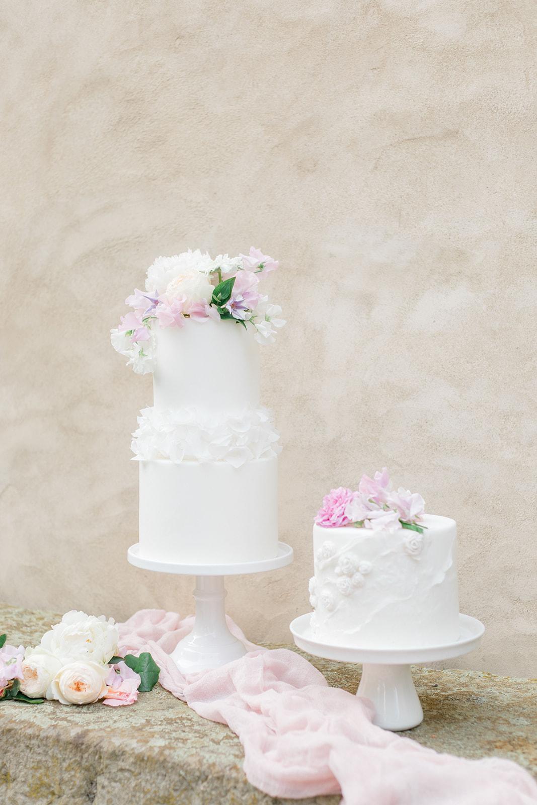 White wedding cake Hochzeitstorte